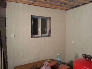 Valkeata seinää
