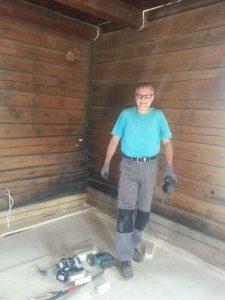 Heikki yllätettiin itse teosta, siis lattian teosta