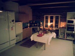 Uusi keittiö jouluasussa