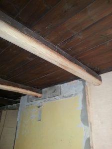 Aikoinaan alasketun katon kiinnitysten takia rikotut parrut korjattu, odottaa vielä väriä